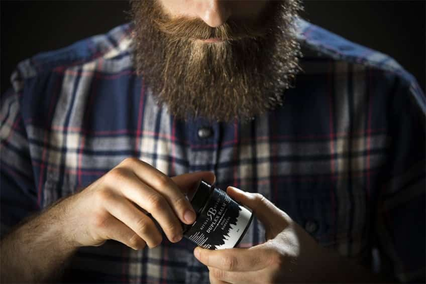 Nutrire ed idratare la barba