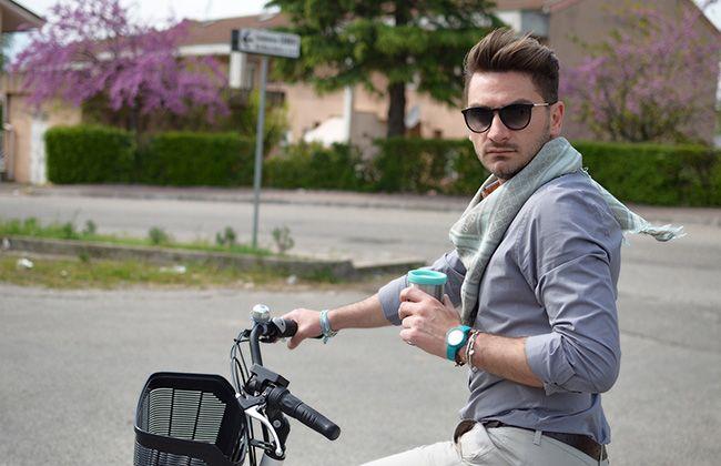 Passeggiando in bicicletta   Foto Outfit