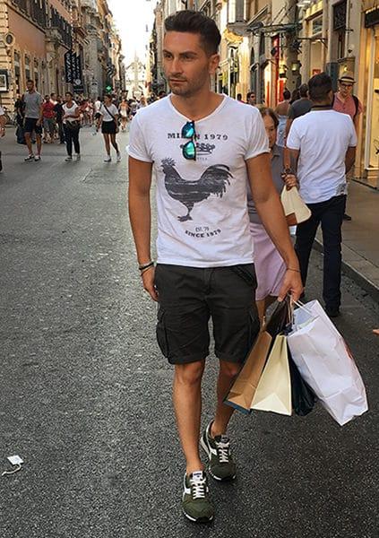 Shopping durante i saldi estivi